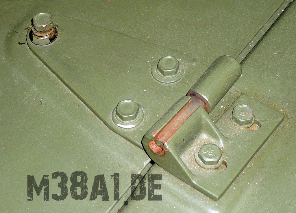 Motorhaube_Halterung_links (5).jpg