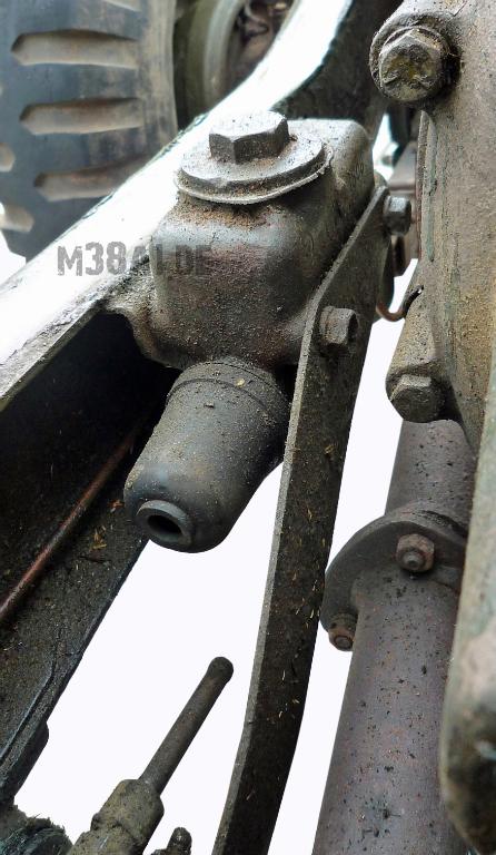 Hauptbremszylinder_eingebaut alt