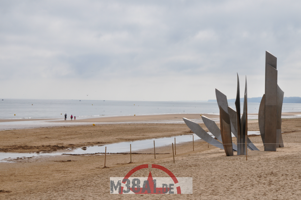 14.08.16_Memorial DDay Omaha Beach_16-w1024-h768