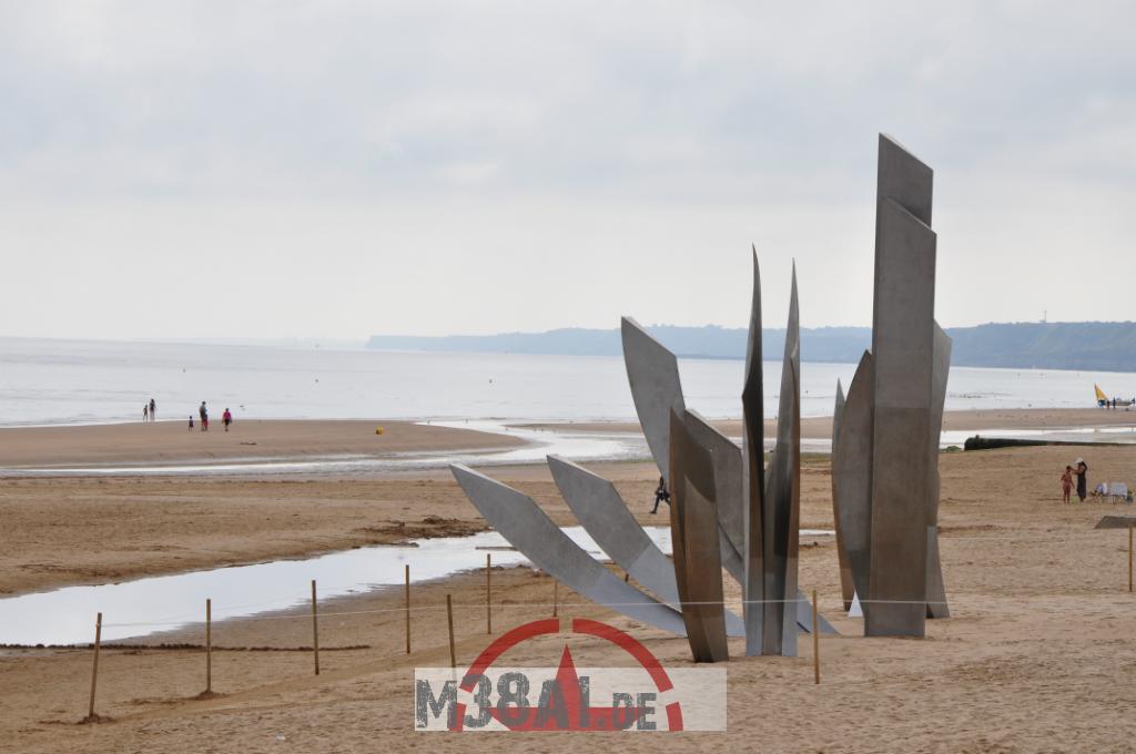 14.08.16_Memorial DDay Omaha Beach_21-w1024-h768